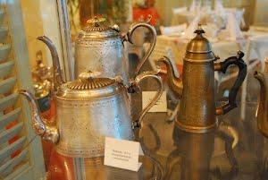 Вам чаю или кофе?